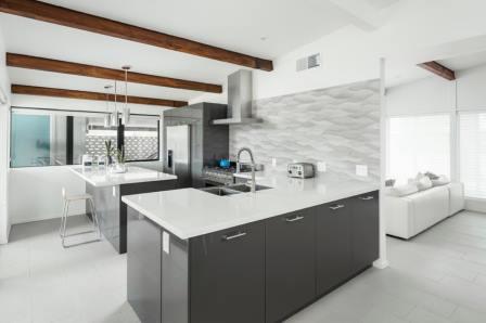 biela-kamenna-kuchynska-pracovna-doska
